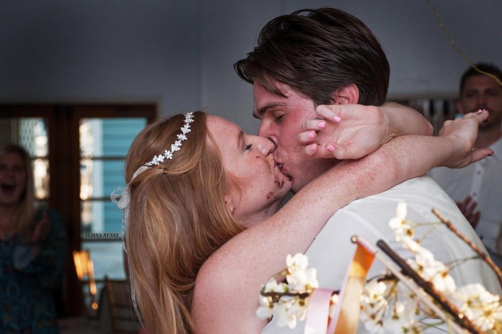 alainanunezphotography-weddingkiss