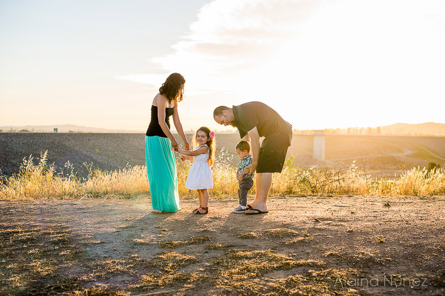 AlainaNunezPhotography.Sunset.Family-6