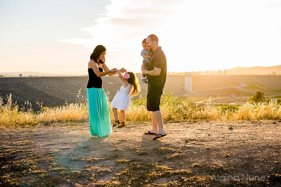 AlainaNunezPhotography.Sunset.Family-4