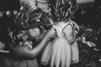 AlainaNunezPhotography.GettingReadyFlowerGirl-1