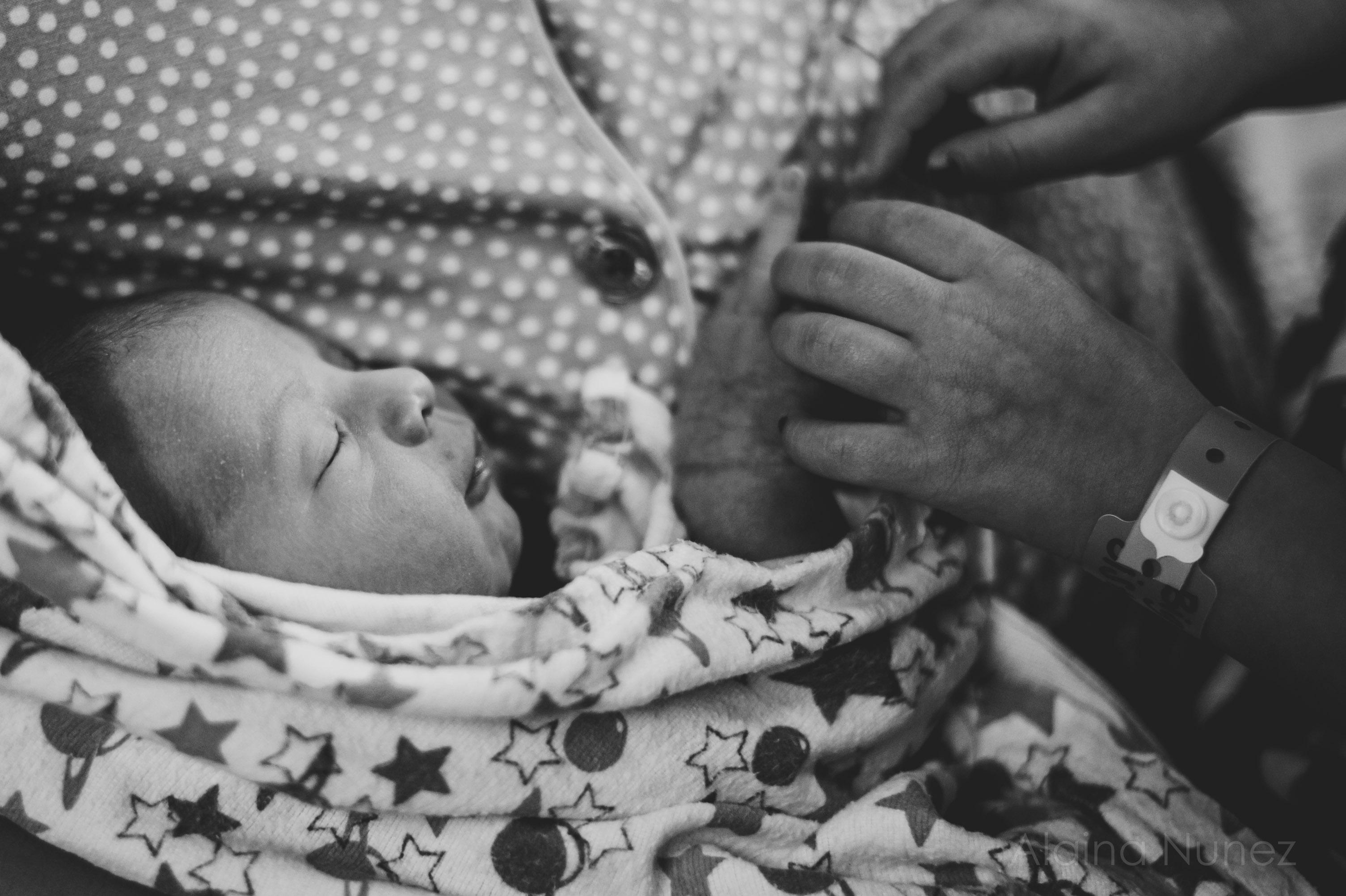 alainanunezphotography.birth.freshbaby-173