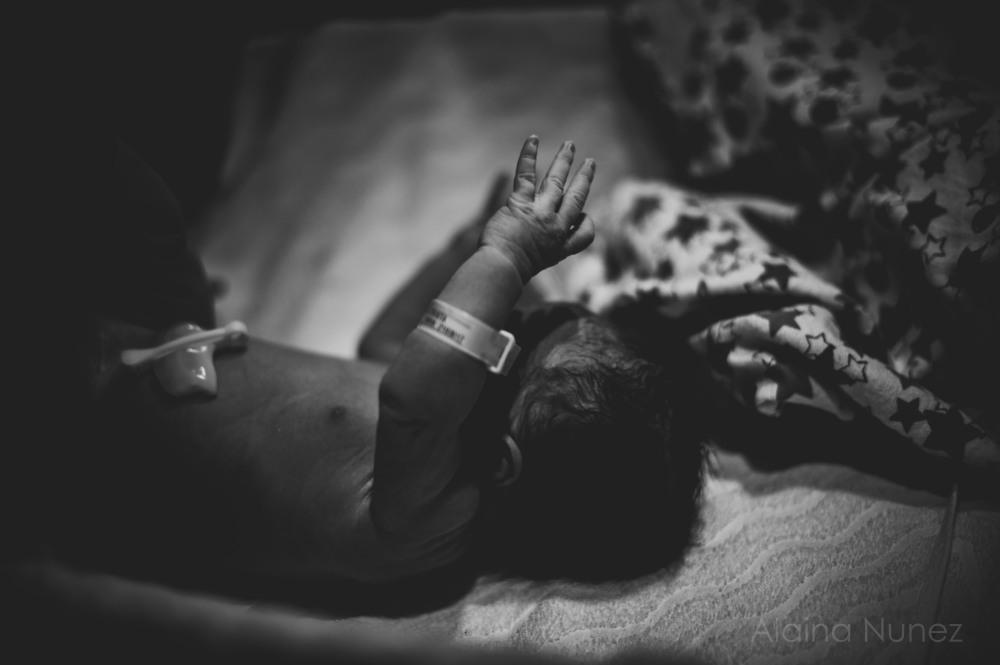 alainanunezphotography.birth.freshbaby-69