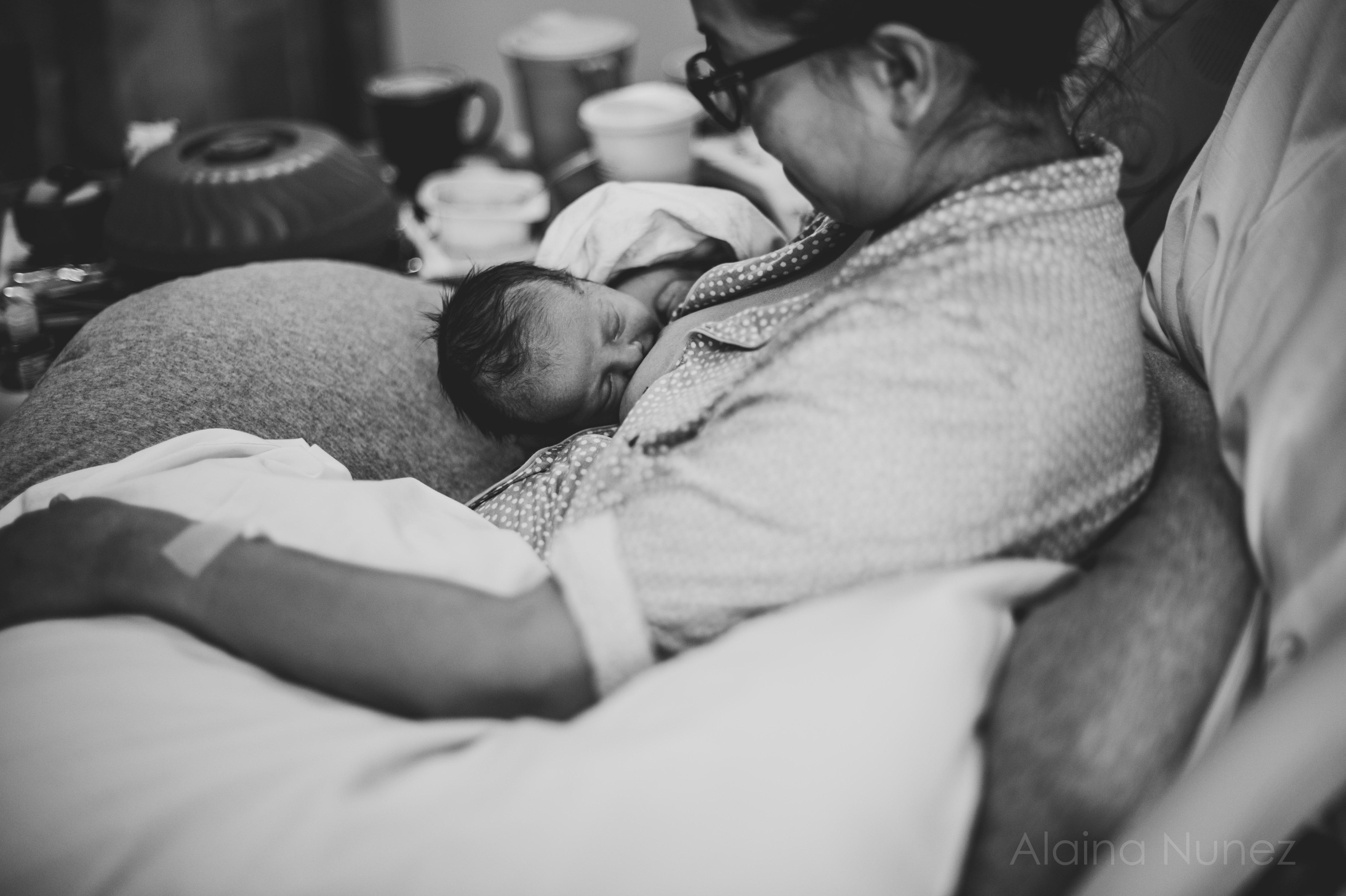 alainanunezphotography.birth.freshbaby-93
